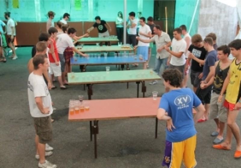 Fetes 2012 – beer pong 006